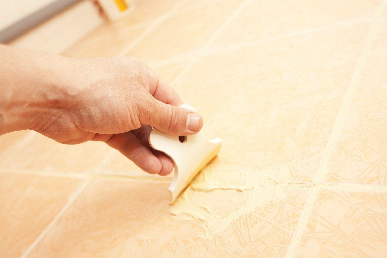 Как самостоятельно заменить отколовшуюся плитку